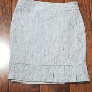 The limited size 2 gray/white/black skirt